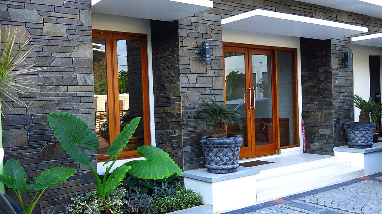 10 Jenis Batu Alam yang Cocok untuk Desain Rumah