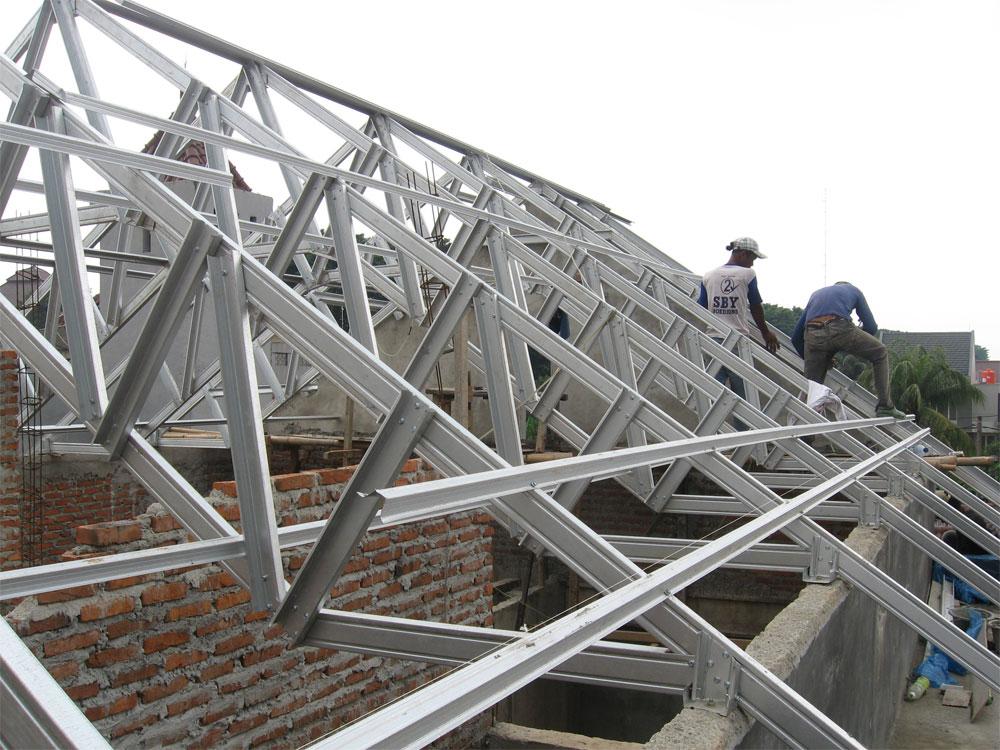 Kelebihan dan Kekurangan Baja Ringan Untuk Atap Rumah