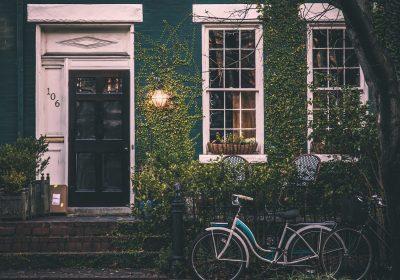 10 Pintu Rumah Unik, Desainnya Anti Mainstream dan Bikin Melongo