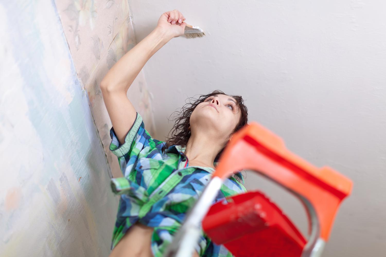 10 Cara Memperbaiki Plafon Triplek Rusak dan Bernoda