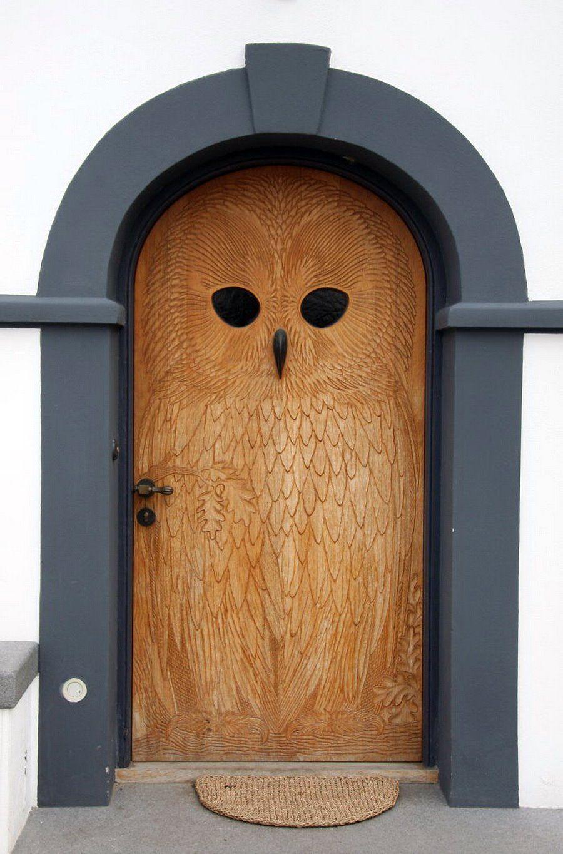 Desain Pintu Rumah Unik Motif Burung Hantu