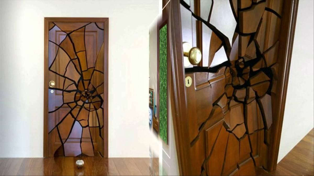 Pintu Rumah Unik Retak