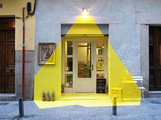 Pintu Rumah Unik dengan Gaya Cat Unik