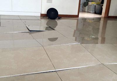 Cara Memperbaiki Lantai Keramik Terangkat dan Penyebabnya