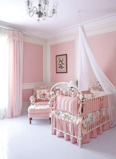 kamar ibu dan bayi serba pink