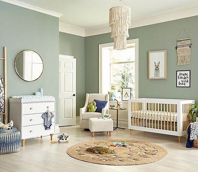 kamar ibu dan bayi klasik minimalis
